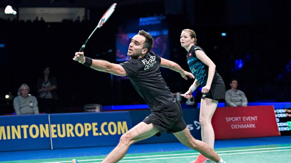 Joachim Fischer og Christinna Pedersen i søndagens EM-finale i Kolding. Danskerne tabte til englænderne Chris Adcock og Gabrielle Adcock.