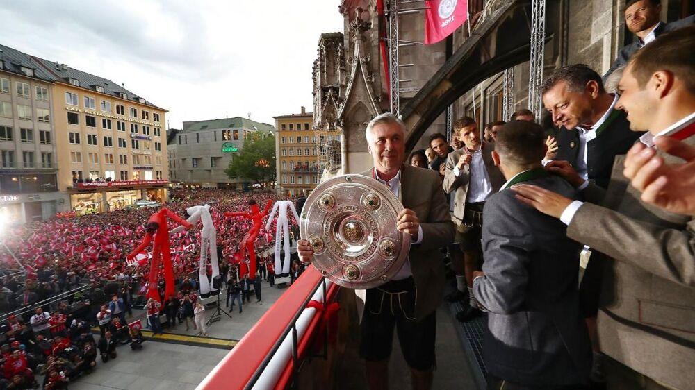 Carlo Ancelotti fejrer mesterskabet på anderledes vis.
