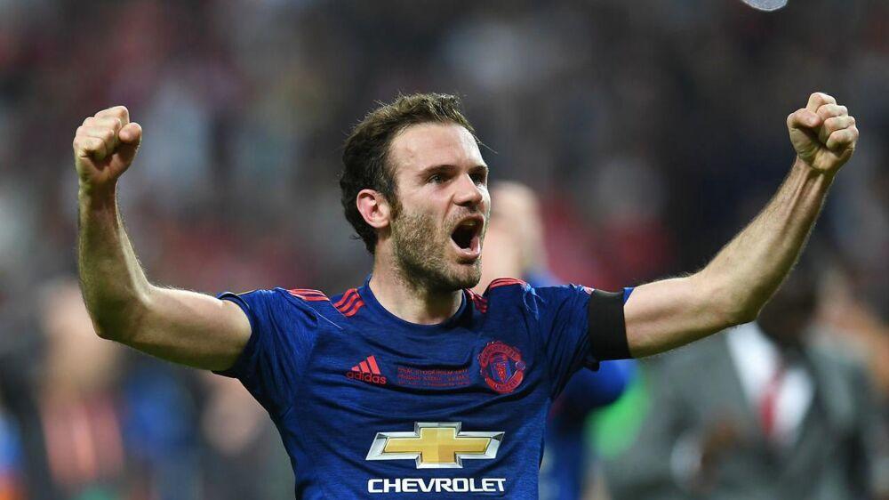 Juan Mata jubler efter sejren i Europa League.