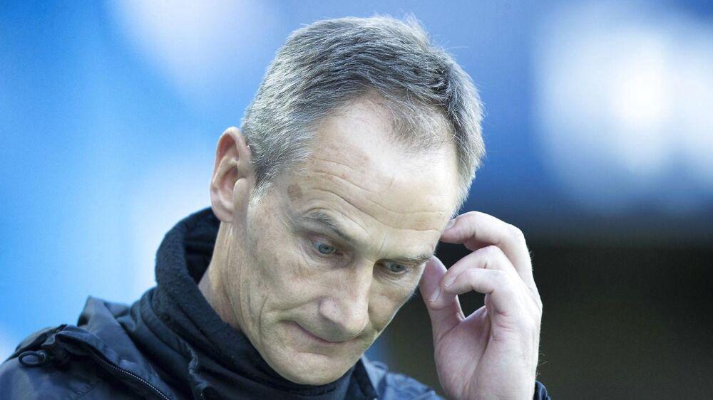 Talentudviklingen kan blive bedre i Esbjerg, efter at klubben er rykket ned, fastslår træner Lars Lungi Sørensen, der er usikker på, om han fortsætter i klubben,