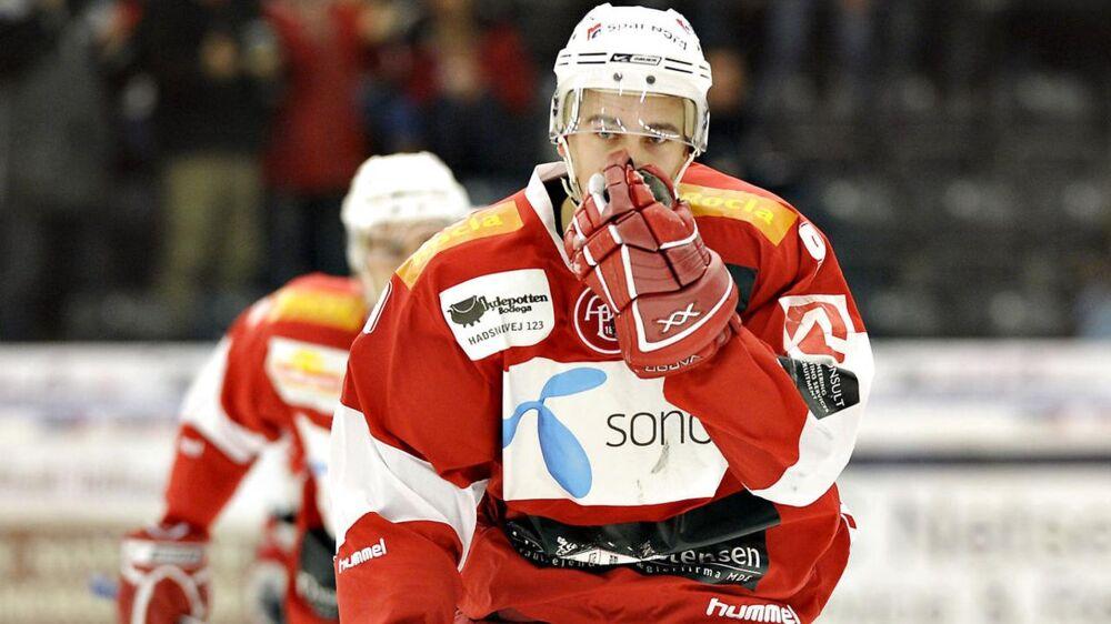 Christian Lie Nielsen dengang han stadig spillede ishockey. Han måtte stoppe karrieren øjeblikkeligt efter en alvorlig hjernerystelse.