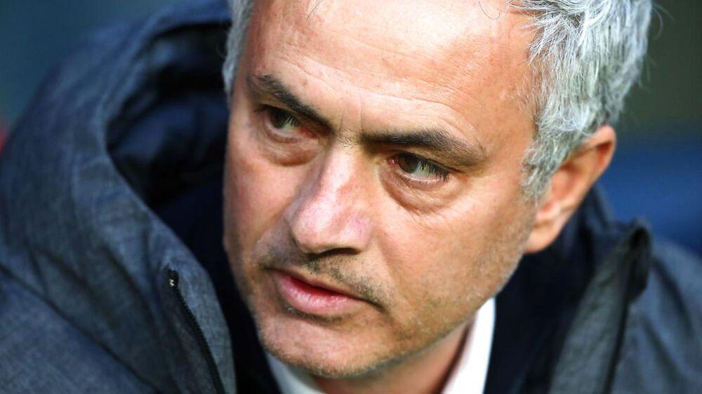 Jose Mourinho har mistet sin far.