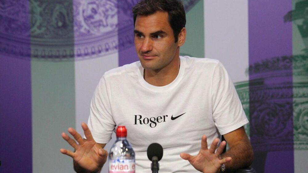 Roger Federer fortalte på pressemødet efter sin sejr i Wimbledon om en god bytur med vennerne.