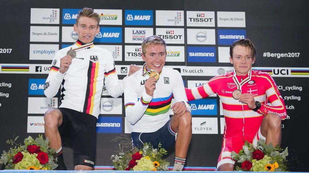 Michael Carbel Svendgaard (th) fik bronze i VM i linjeløb for U23-kørere.