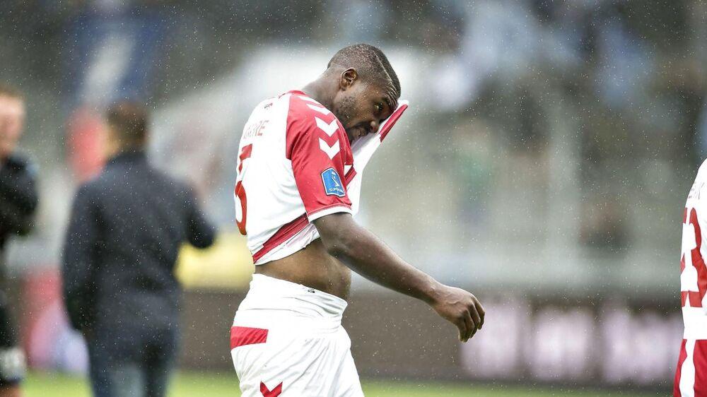 Jores Okore må nøjes med en plads på udskiftningsbænken, når AaB i Superligaen søndag eftermiddag møder Lyngby BK.