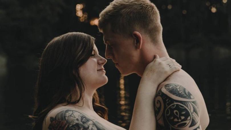 Stephanie og Arryn har været forlovet siden februar i år.