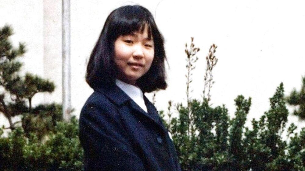 Billedet fra 1977 viser Megumi Yokota lige inden hun blev kidnappet som 13-årig af Nordkorea.