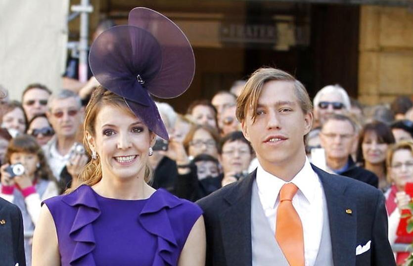 Prinsesse Tessy og prins Louis blev gift i en meget ung alder. Han var 20 år, og hun var 21 år. Parret var kort forinden blevet forældre til deres første barn.