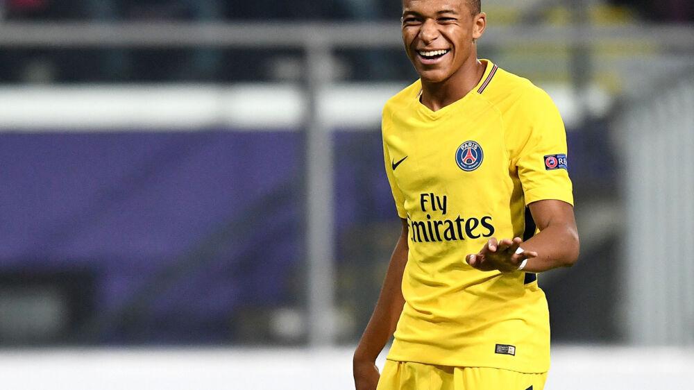 Den franske PSG-stjerne Kylian Mbappé er blandt de sidste tre nominerede til årets Golden Boy-pris. Scanpix/Franck Fife/arkiv