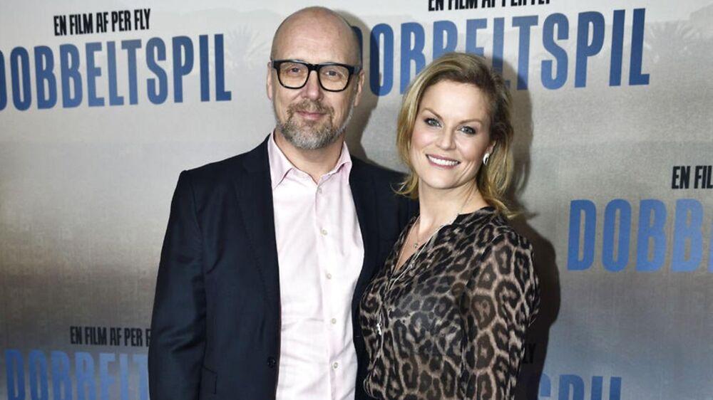 """Der er gallapremiere og rød løber på Per Flys nye danske thriller """"Dobbeltspil"""" i Imperial i København. Her er det Cecilie Hother med ledsager. Tirsdag den 16. januar 2018."""