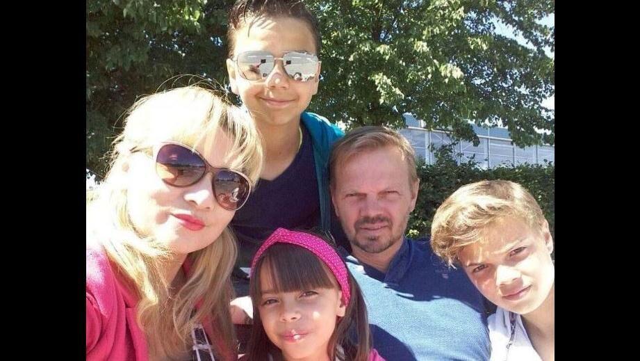 Gorm, Maricina, Mateus, Tim og Marja håber på, at det ophold i Sverige kan give dem ret til at vende tilbage til Danmark. Privatfoto