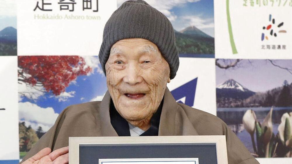 Verdens ældste nulevende mand er 112-årige Masazo Nonaka fra Japan.