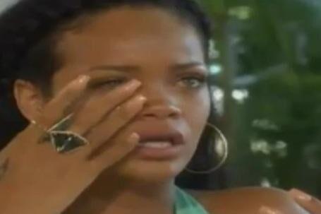 24-årige Rihanna blev også interviewet af Oprah Winfrey én måned efter hun var blevet overfaldet.