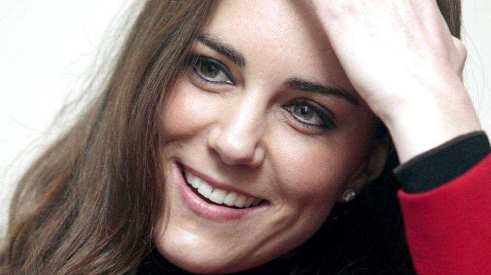 Her ses Kate Middleton, der ufrivilligt endte på forsiden af det franske magasin Closer, da en fotograf spottede hende topløs på en kærlighedsferie i Frankrig (arkivfoto).