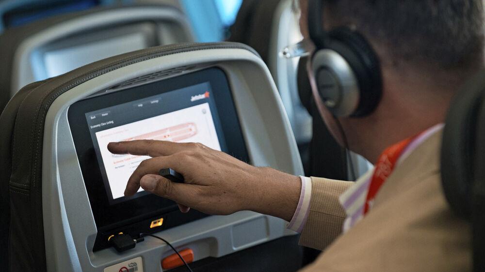 På American Airlines' nye fly bliver skærmene sparet væk. Foto: Flickr