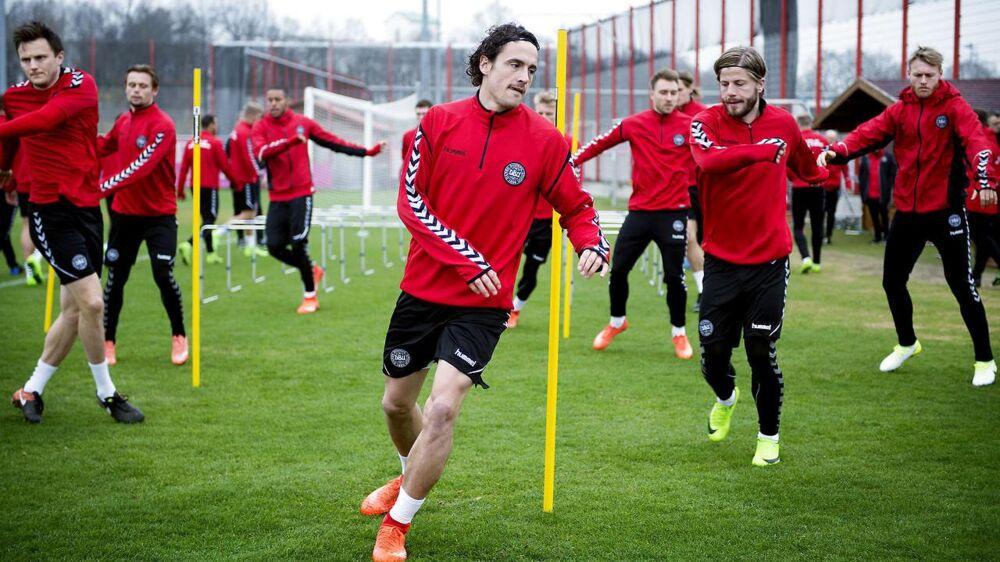 Lasse Schöne: »»Det fylder noget for mig, at jeg ikke spiller fast på landsholdet.«
