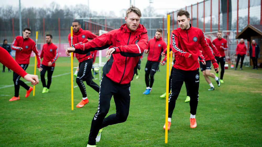 Fodboldlandsholdet træner på Bayern Münchens træningsanlæg. Simon Kjær og Christian Eriksen