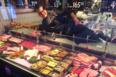 Jan Larsen og hans søn Peter endte i en shitstorm, hvor veganere kritiserede slagterbutikken for ikke at sælge veganske varer.