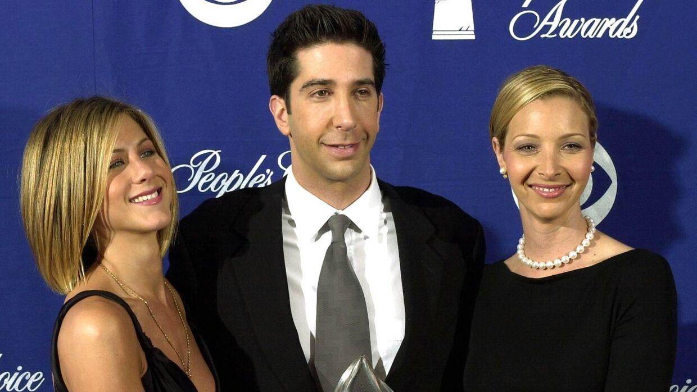 Her ses David Schwimmer sammen med to af sine kolleger fra 'Venner' - Jennifer Aniston og Lisa Kudrow.