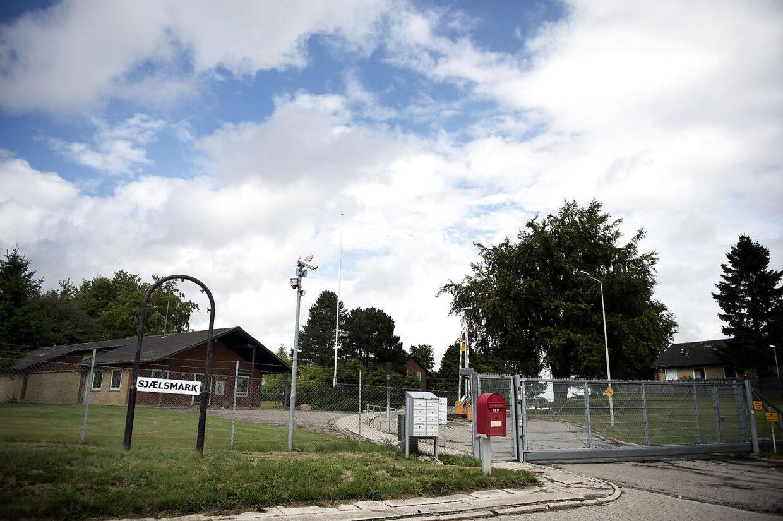 Den afviste asylansøger Warda Suleiman, der de sidste tre måneder har boet i Udrejsecenter Sjælsmark (Billedet), er stærkt utilfreds med sit ophold i Danmark.
