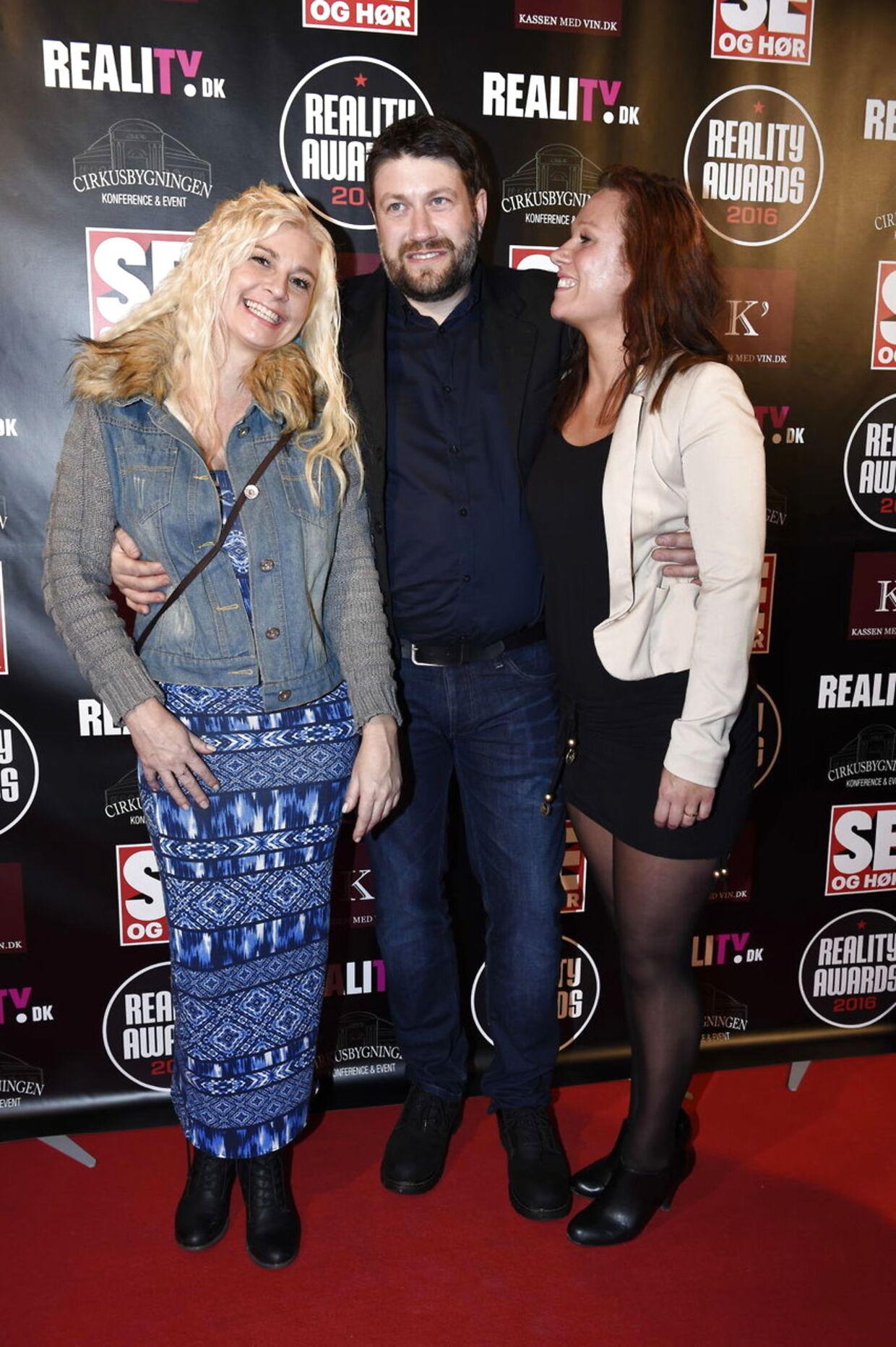 Frede Refsgaard ankom til Reality Awards i selskab med Laila og Isabella, som han datede i sæson 2 af 'Landmand søger kærlighed'.