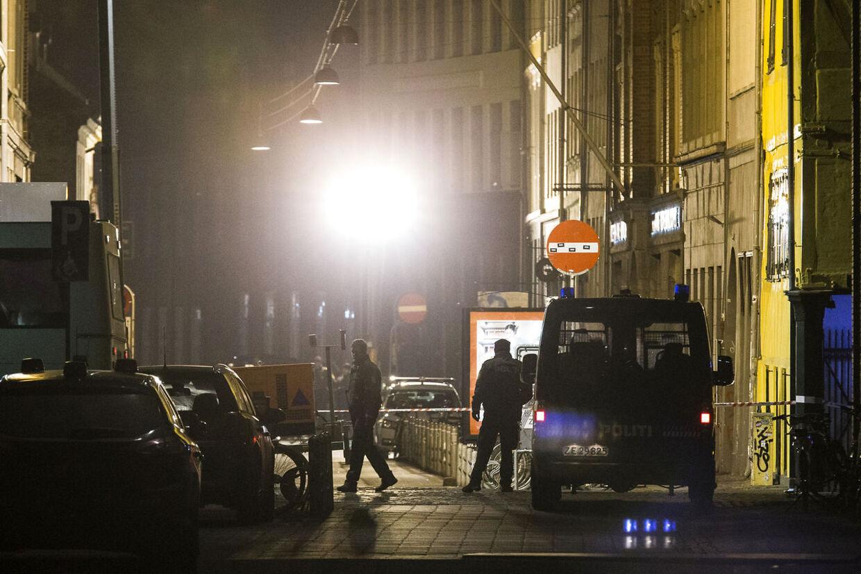 Skudepisoder i København. Politiet jager gerningsmanden eller over hele København. Krystalgade.