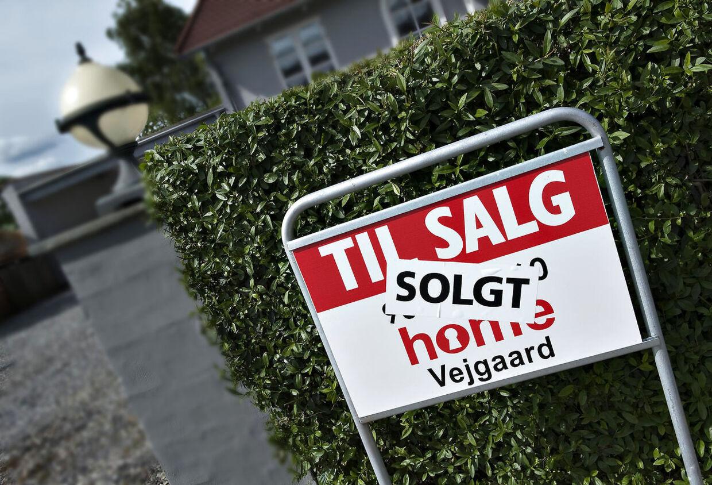 ARKIVFOTO 2009 af solgt hus- - Se RB 8/9 2015 09.33. Der er 3500 færre huse på markedet end på samme tidspunkt sidste år. Det er godt nyt for boligmarkedet. (Foto: Henning Bagger/Scanpix 2015)