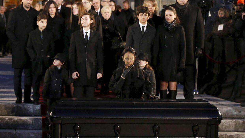 Celine Dion tager afsked med sin ægtemand.