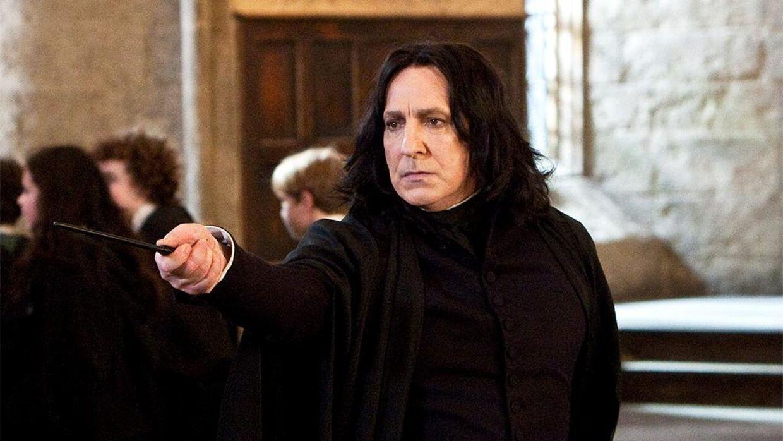 Alan Rickman døde den 14. januar 2016 i London. Rickman er især kendt for rollen som professor Severus Snape i 'Harry Potter'-filmene.