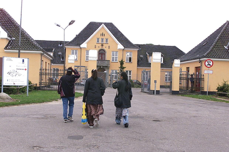 ARKIVFOTO 2013 fra asylcenter Sandholmlejren- - Se RB 9/11 2014 22.55. Danmark er rykket en del pladser op på listen over asylstrømmen. Behov for flere stramninger, mener V og DF. (Foto: Bent K Rasmussen/Scanpix 2014)