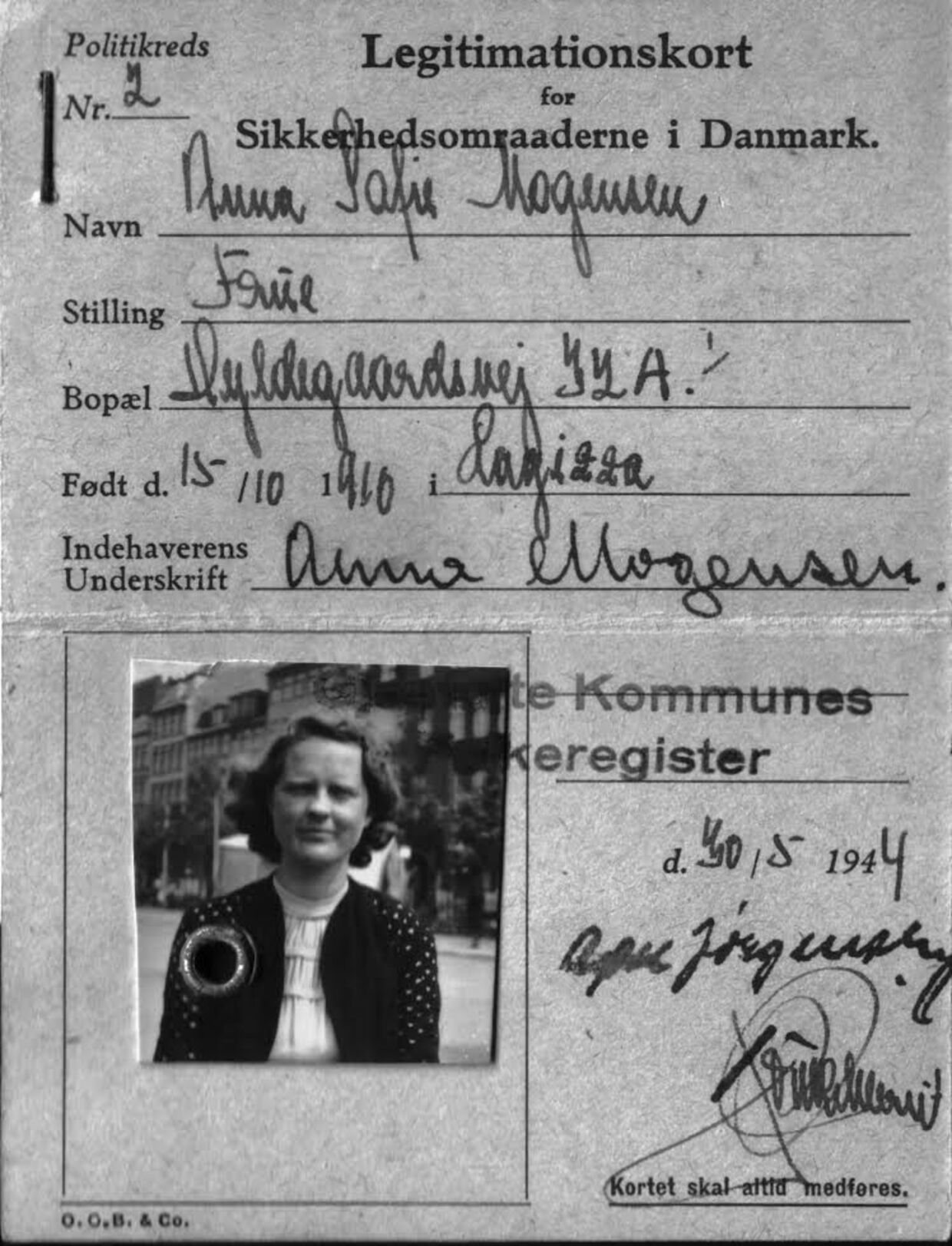 Lone Maslochas falske ID-kort. Fødenavnet har hun beholdt, men hun er blevet 10 år ældre, og på adressen Hyldegaardsvej i Ordrup boede hendes svigerinde tidligere.