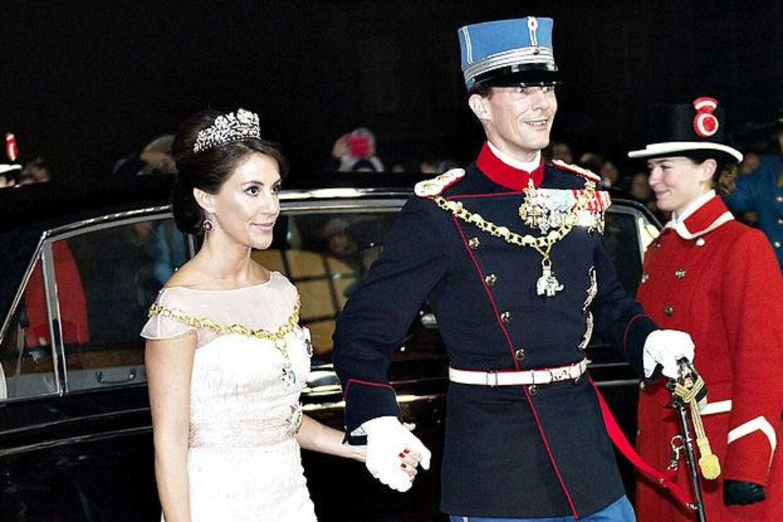 Prinsesse Marie har god grund til at smile. Hun ejer nemlig nu halvdelen af Joachims nyerhvervede hus i Klampenborg