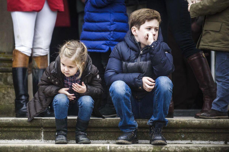 Her ses prins Christian ved Hubertusjagt 2015 i Dyrehaven, søndag d. 1 november. Han er iøjeblikket på badeferie.