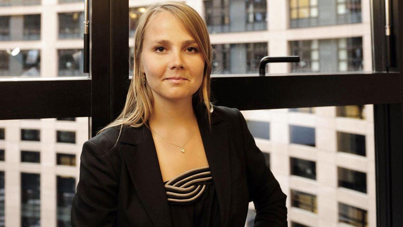 Det kom derfor som en stor overraskelse, da hun i september 2014 blev ansat som chef for public relations i en af Danmarks største finanskoncerner, Nykredit.
