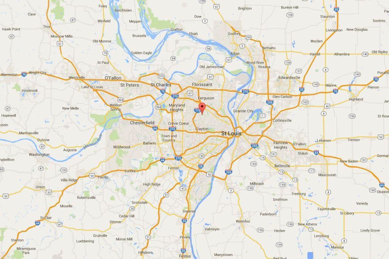 Den lille by Hanley Hills nær St. Louis blev tirsdag vidne til en tragedie, da en dreng på kun 21 måneder kom til at skyde sig selv med en ladt pistol, han havde fundet.