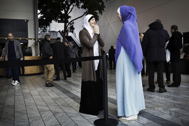 Hizb ut Tahrir - Skandinavien opfordrer muslimer til ikke at lade sig påvirke af politikerne. Billedet er fra foreningens konference i Bella Center sidste år med titlen: Den Islamiske samfundsmodel