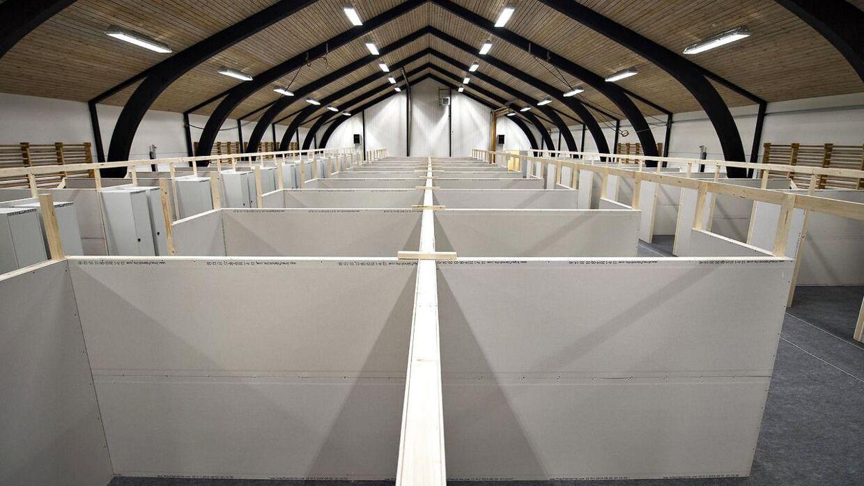Der bliver også lavet små to-mands værelser inde i en af sportshallerne.