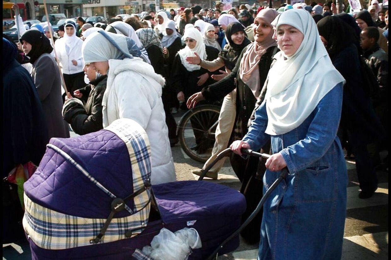 Mange danskere bryder sig ikke om, at muslimske kvinder går med tørklæder.
