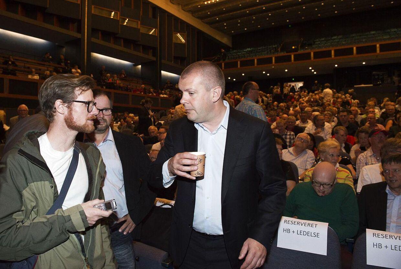 BT forsøgte at få en kommentar fra Bjarne Corydon i forbindelse med Socialdemokratiets kongres i Falkonersalen søndag. Den nyudnævnte næstformand for Socialdemokratiet havde dog ikke meget at sige til BT's reporter.
