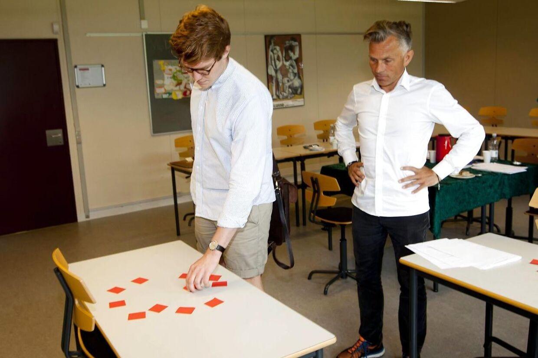 Juni er højtid for eksamener på både ungdomsuddannelser og videregående uddannelser. Her er en elev til mundtlig eksamen på Viborg Gymnasium og HF i 2013. Foto: Morten Dueholm