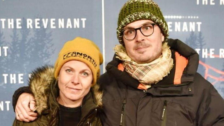 Pelle Hvenegaard og Caroline Gullacksen venter stadig på det barn, de er blevet godkendt til at adoptere.