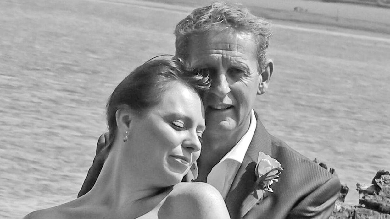 Andrew McLeod-Baikie fik taget dette skønne billede på sin bryllupsdag med sin udkårne Helen, hvilket ikke faldt i god jord hos hans anden kone Susan.