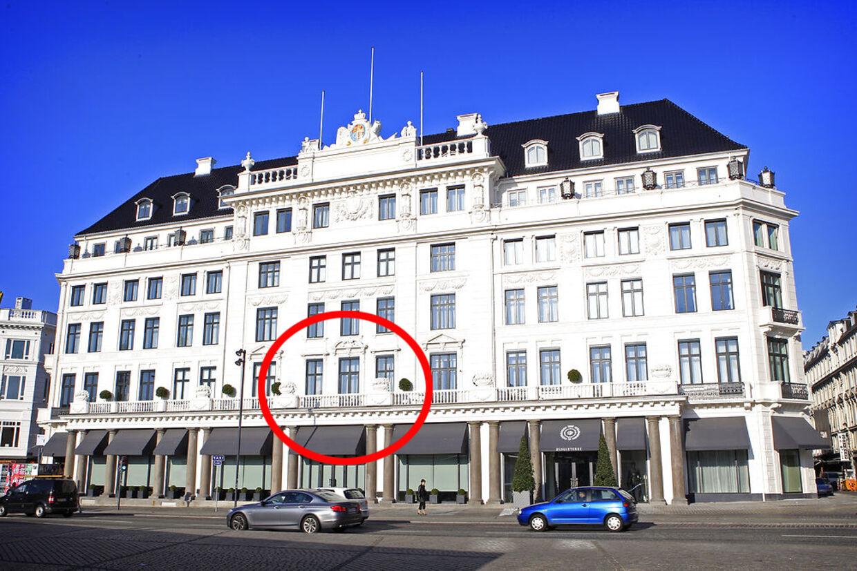 Bruce Springsteen ankom søndag aften til Hotel D'Angleterre i København.