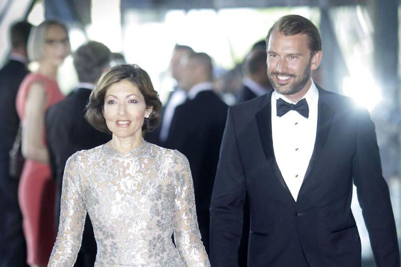 Danskerne mener, at grevinde Alexandra fremover selv skal betale for sin tilværelse. Her ses hun sammen med sin mand, Martin Jørgensen.