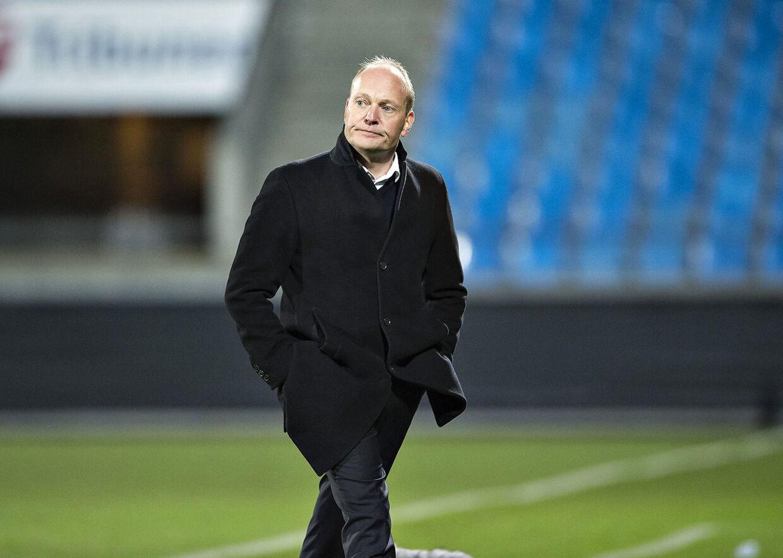 Niels Frederiksen træner det det U21-landshold, der har kvalificeret sig til sommerens olympiske lege i Rio de Janeiro.