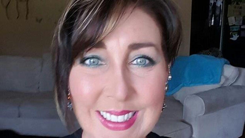 Anne Ziegenhorn blev alvorligt syg, da der gik hul på hendes brystimplantater. Nu advarer hun andre.