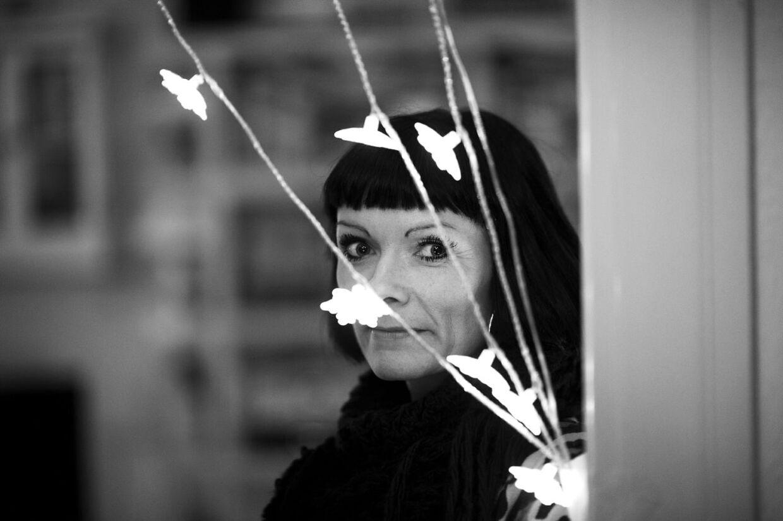 Forfatter Louise Østergaard har skrevet en roman om blandt andet sin affære med digterstjernen Yahya Hassan.