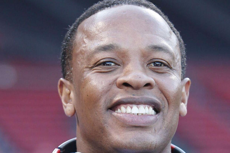 Rapperen og produceren Dr. Dre topper Forbes liste over musikbranchens bedste betalte. De fleste penge har han dog tjent på sine hovedtelefoner og ikke musikken.