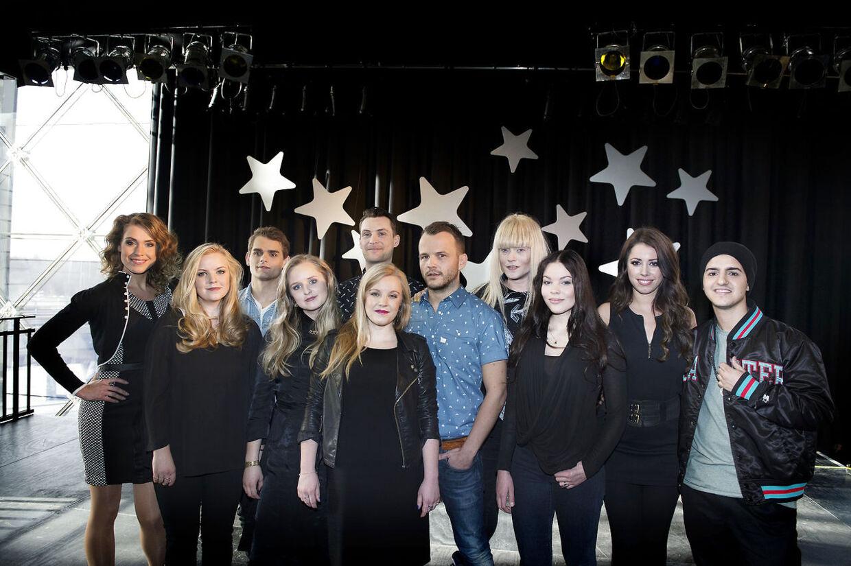 Årets deltagere i Dansk Melodi Grand Prix. Marcel Gbekle synger kor på hele tre ud af ti sange og har altså gode chancer for at komme med til Det internationale Melodi Grand Prix i København til maj.
