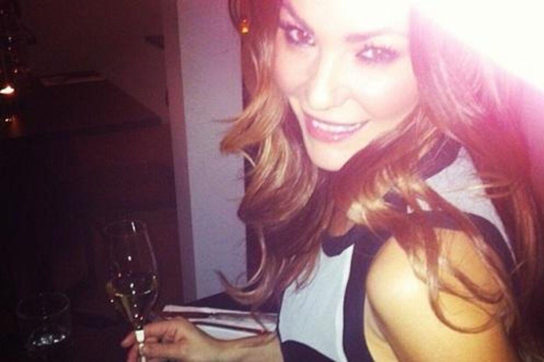 Mascha Vang postede lørdag aften følgende billedet på Instagram. Samme aften blev hende og veninden Kira Eggers slået ned på Casper Christensen natklub.